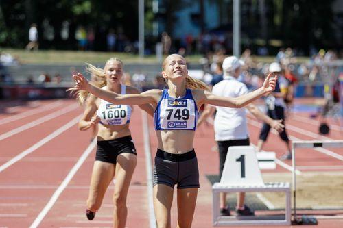 Josina Papenfuß läuft zu Doppel-Gold