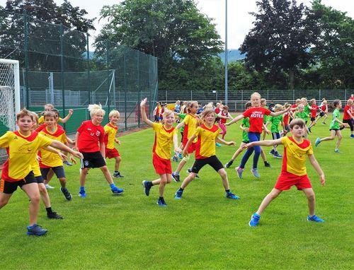 Zahlreiche strahlende Kinder bei weiteren KiLa-Cup Kreisentscheiden