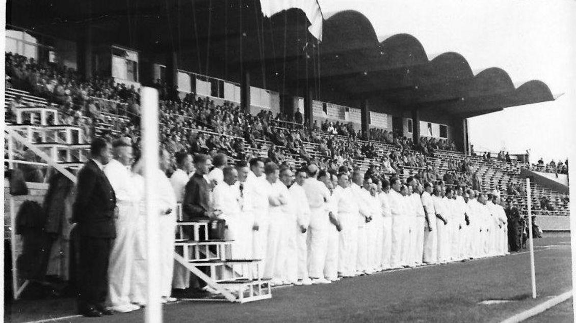 1955: Erster Länderkampf im Niedersachsenstadion Hannover